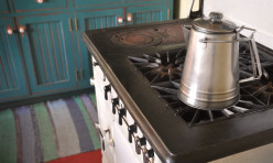 Old-fashioned percolator and stove
