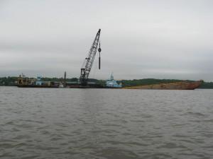 Crane barge Newark Bay